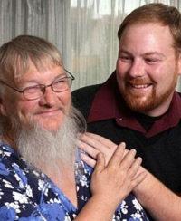 Scopre che la vera madre è barbuta